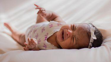 Huilende baby met darmkrampjes