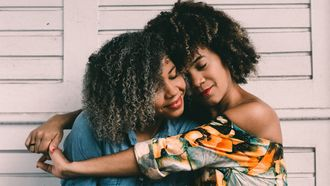 Beste vriendinnen die elkaar. uit het oog verloren zijn