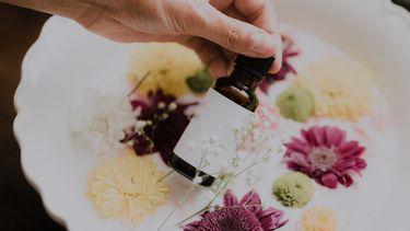 flesje met huidverzorging