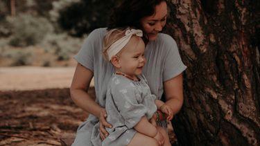Zoraida met dochter Lenna die haar dagritme met ons deelt