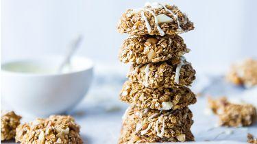 gezonde snacks / stapel gezonde havermout koekjes