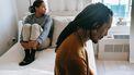 Stelletje dat problemen ervaart en niet weet of ze hun relatie nog kunnen redden