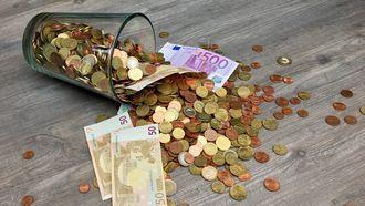 Geld dat op een spaarrekening gezet moet worden.