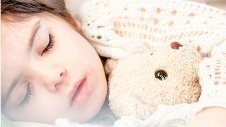 koortsstuip-slaapt-kind-als-een-roos