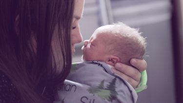 Moeder met haar premature baby