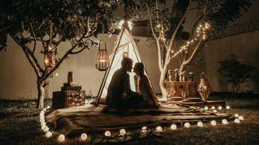 aromantisch / romantische setting van koppel