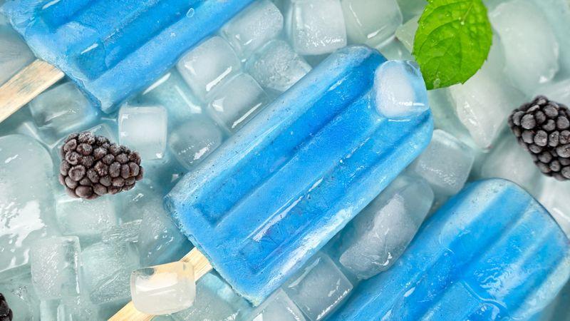 blauwe smoothie bowl ijsjes