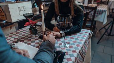 daten na bedrog / date in restaurant