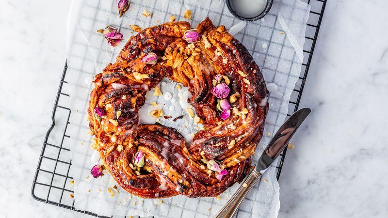 vegan cinnamon roll