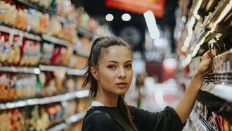 moeder in de supermarkt