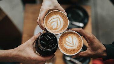 drie verschillende koppen koffie