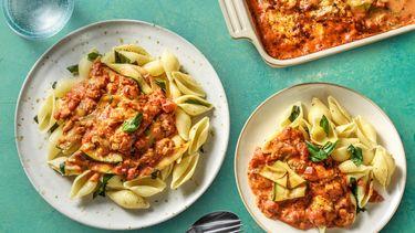 Heerlijk recept voor vegetarische pastasaus met courgette en tomaat uit de oven