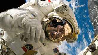 astronaut in de ruimte