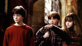 Harry Potter, Hermelien en Ron die aan het toveren zijn