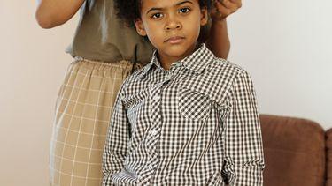 duurzame kinderkleding / jongen in geruite blouse