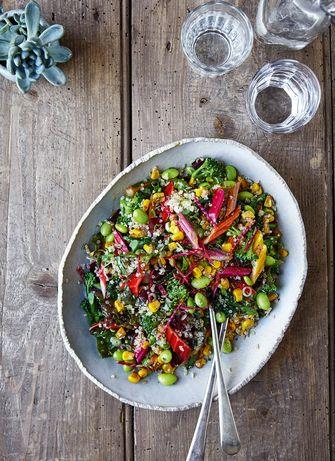 Kleurrijke en vegan regenboogsalade